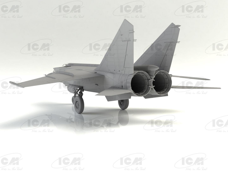 72176_172_MiG-25_RU_R4