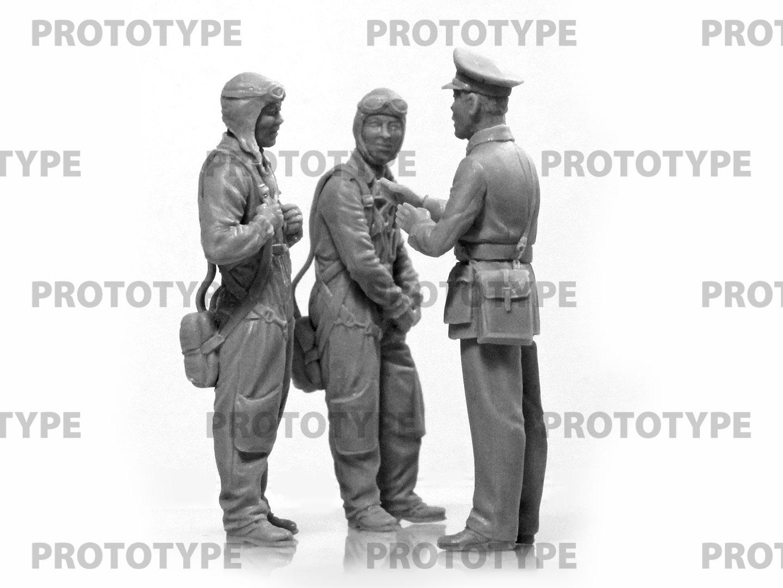 32115_WWII China Guomindang AF Pilots_master_models_ICM (1)
